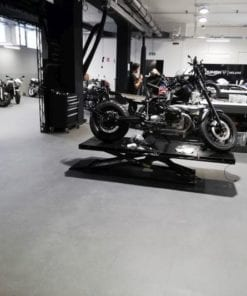 650 m Moto Shop Invisible (Italy) 1